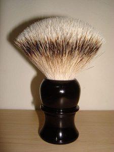 Shaving-With-The-Best-DE-Safety-Razor-For-Men-3 (1)